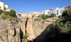 Ronda - Die Schlucht und Brücke El Tajo